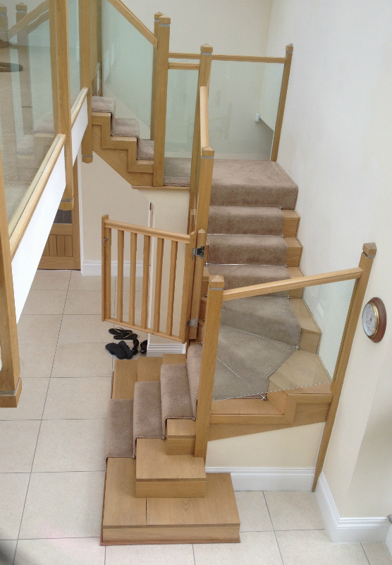 Gallery staircases darcy joinery ltd for Quarter landing staircase